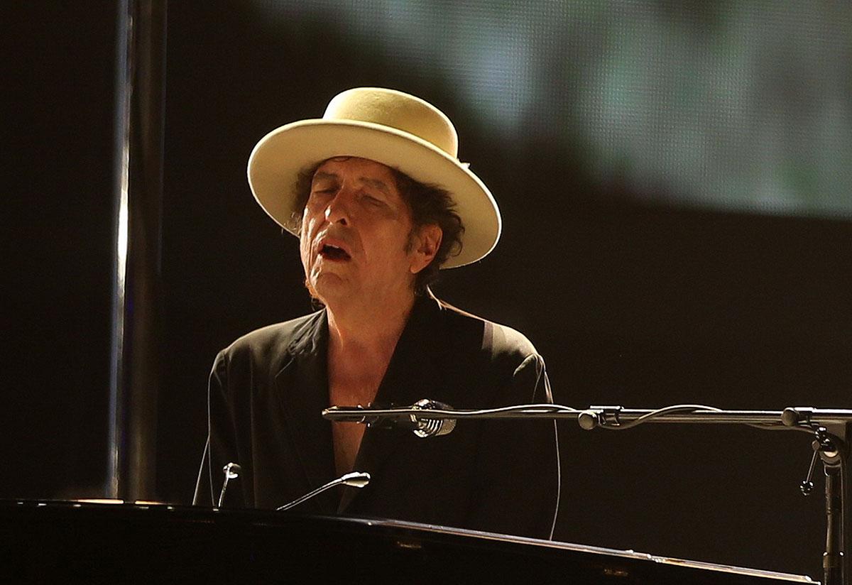 Макаревич: Нобелевский лауреат Боб Дилан превратил рок-н-ролл вискусство
