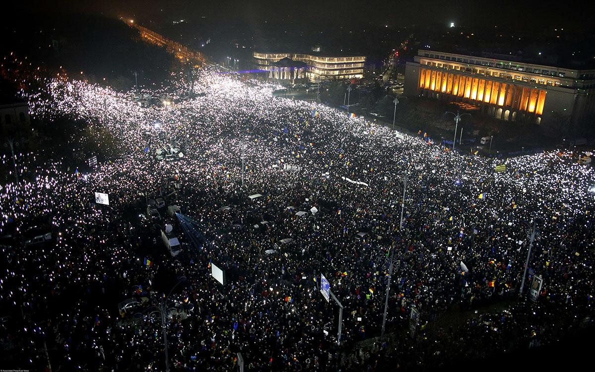 Многотысячные акции протеста продолжились вРумынии