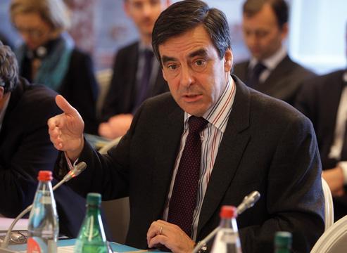 Руководитель предвыборного штаба Франсуа Фийона подал вотставку