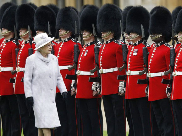 400_uk-royal-guard_1.jpg